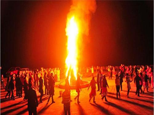 红栌山庄篝火晚会